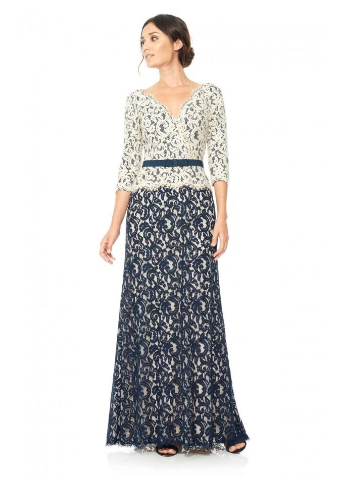 绣花蕾丝腰带装饰V领长裙
