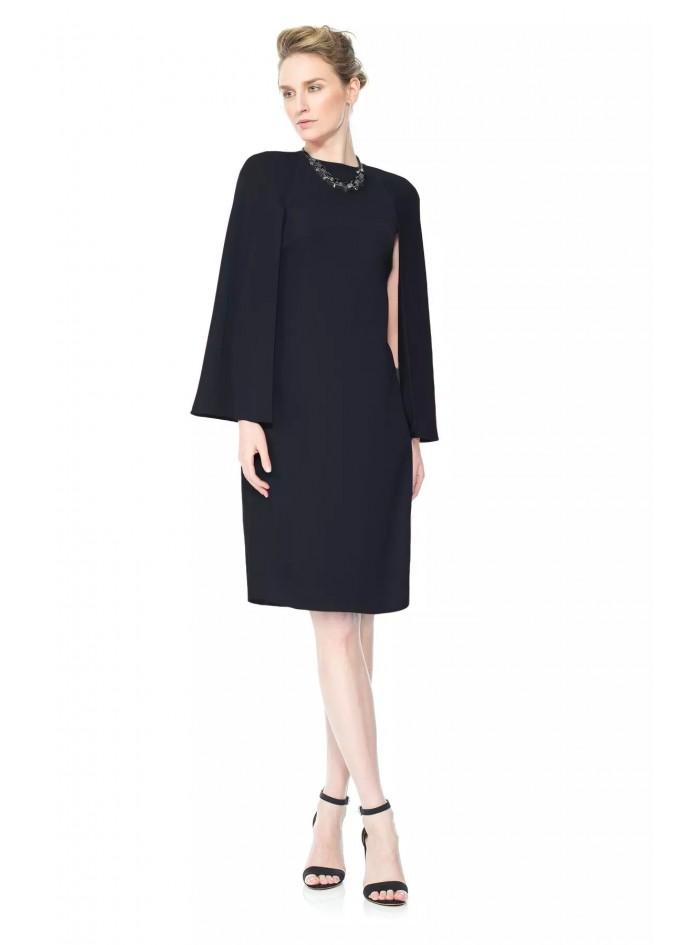 黑色斗篷连衣裙