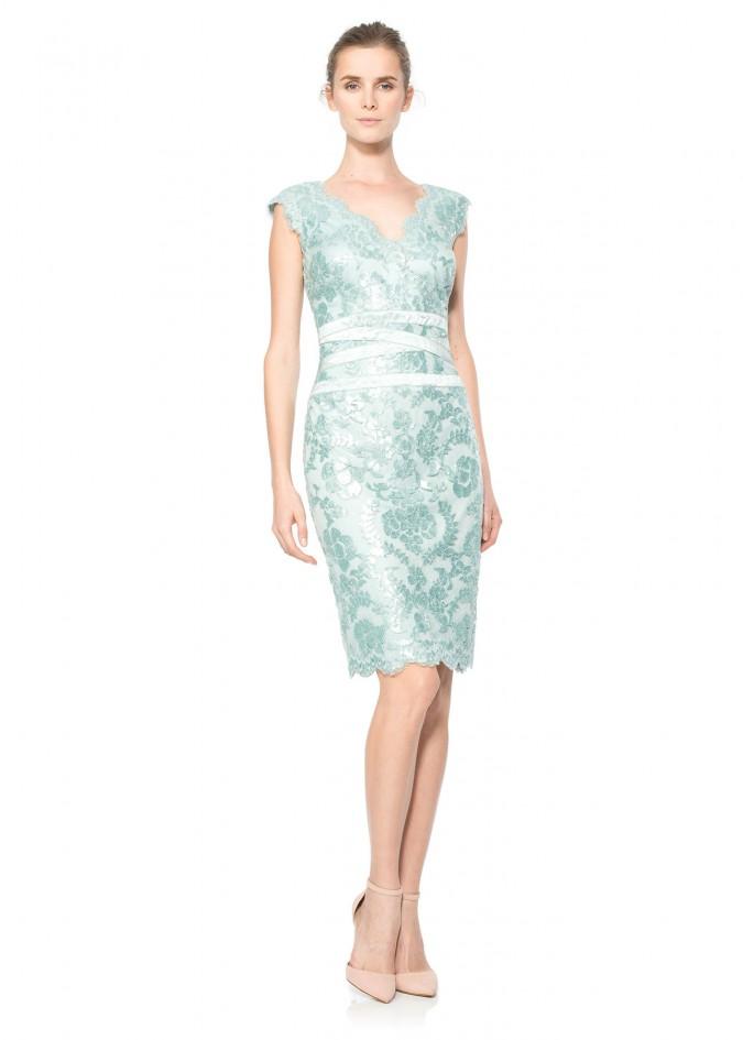 珠片绣花蕾丝V领修身连衣裙