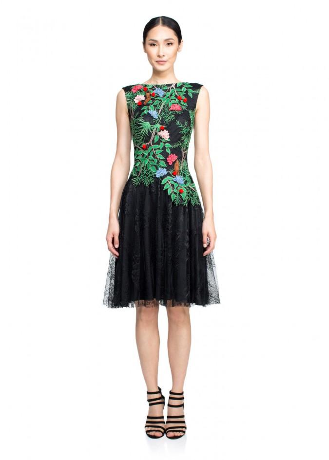 绣花蕾丝摆浪连衣裙