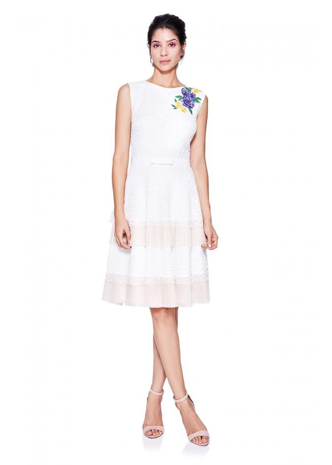 花朵装饰层叠连衣裙