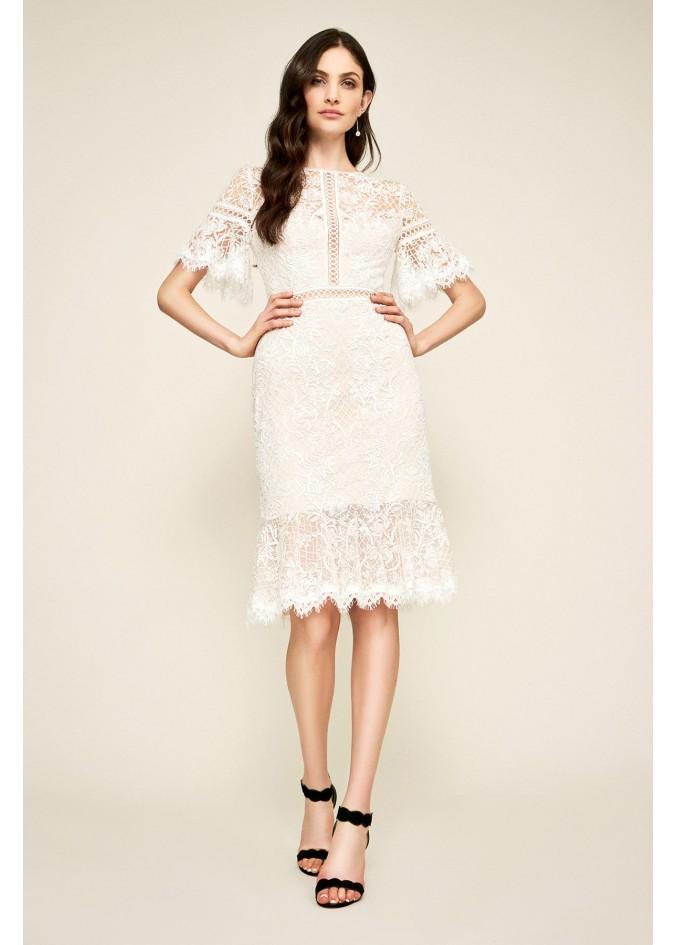 绣话蕾丝荷叶边短袖连衣裙