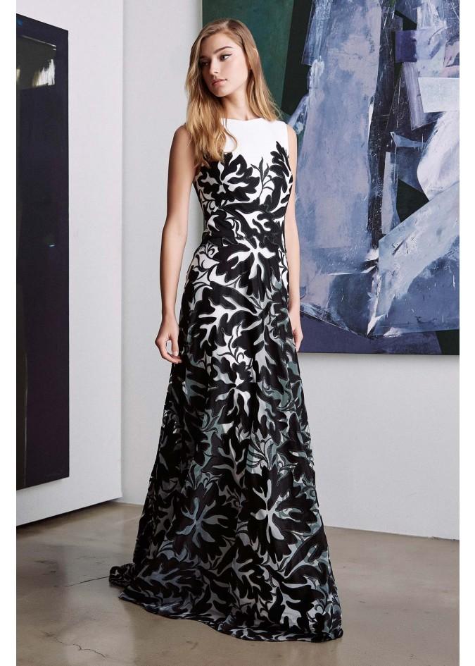 绣花蕾丝撞色长裙