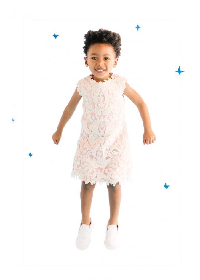 白色金银花连衣裙