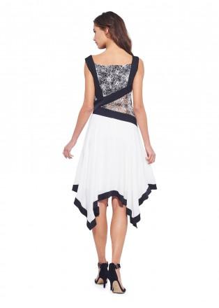 黑白蕾丝拼接摆浪连衣裙