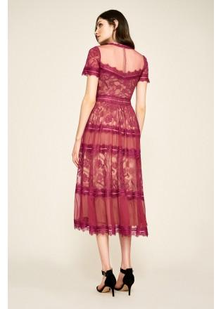 镂空蕾丝摆浪连衣裙