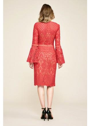 刺绣蕾丝喇叭袖修身连衣裙