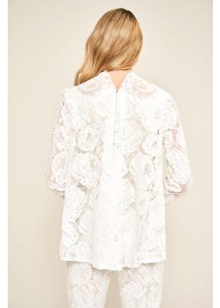 花朵蕾丝上衣