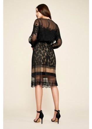 压褶网纱蕾丝半身裙