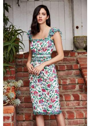 花朵刺绣小飞袖修身连衣裙