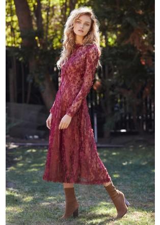 花朵立体绣花长袖摆浪连衣裙