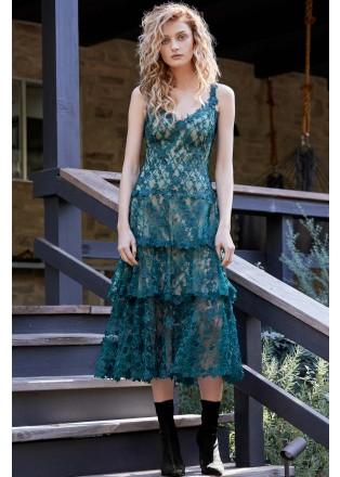 花朵立体绣花吊带层叠连衣裙