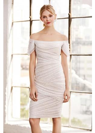 珠片蕾丝露肩直身连衣裙