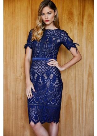 绣花蕾丝短袖直身连衣裙