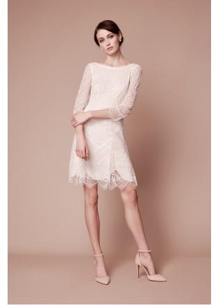 绣花蕾丝船领连衣裙