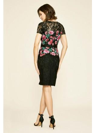 花朵刺绣收腰直身连衣裙