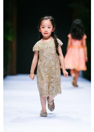 金属蕾丝A型小礼服