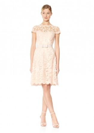 绣花蕾丝腰带装饰盖袖连衣裙