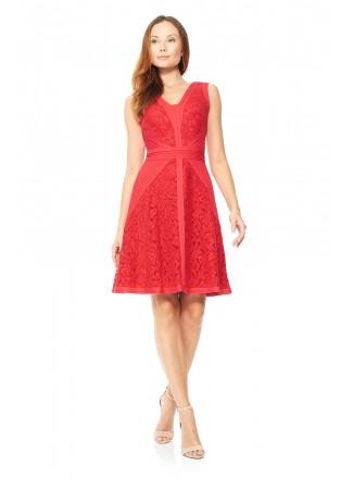 打条针织布蕾丝V领连衣裙