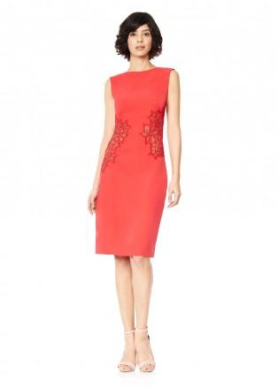 花朵镂空设计直身连衣裙