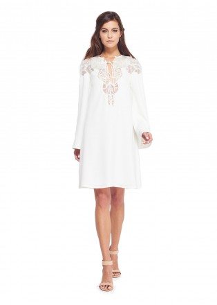 白色蕾丝拼接长袖连衣裙