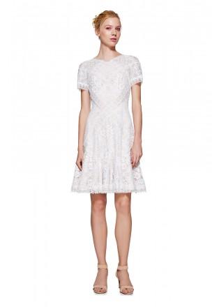 白色蕾丝摆浪连衣裙