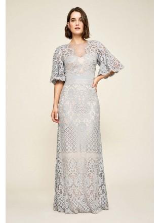 花朵刺绣喇叭袖修身长裙