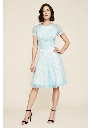 绣花蕾丝腰部抽褶摆浪连衣裙