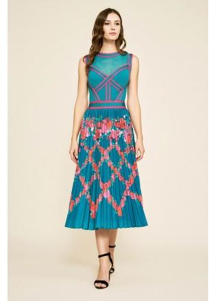 几何图案压褶连衣裙