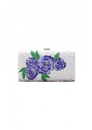 花朵装饰钉珠手包