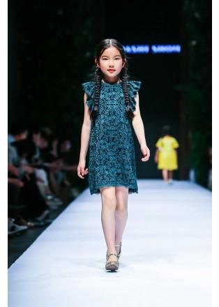 金属蕾丝小飞袖连衣裙
