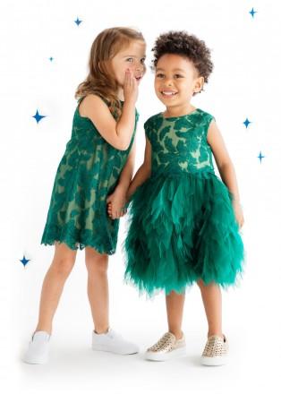 绿色绣球花连衣裙
