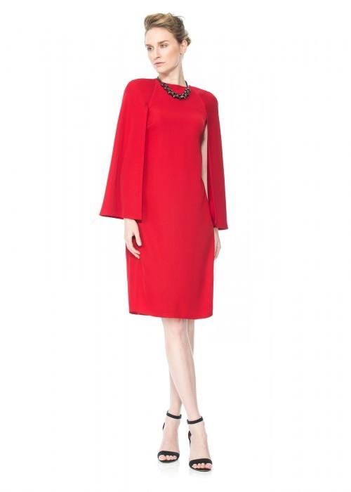 红色斗篷连衣裙